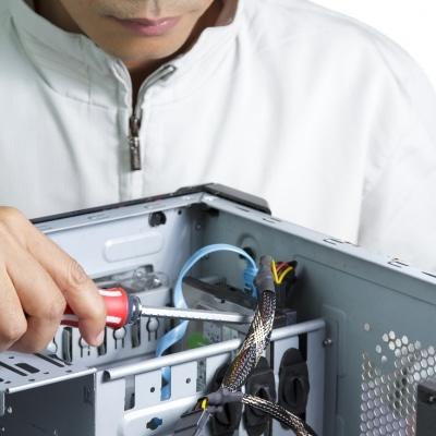 Maintenance et réparation d'automatismes et d'équipements électriques