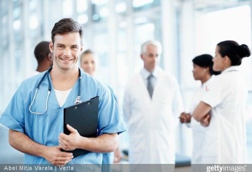 Infirmiers et aides-soignants : la formation continue obligatoire