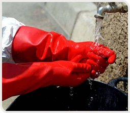 laver-gants-agriculteur